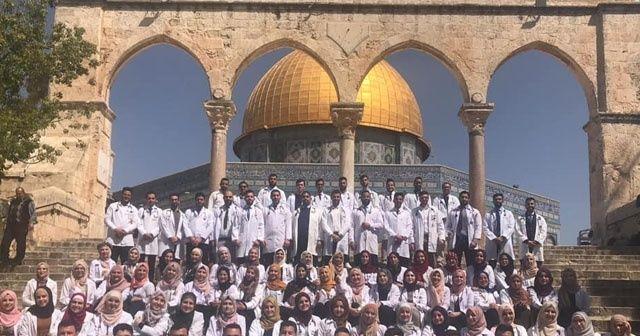 Filistinli doktorlar Mescid-i Aksa'da Hipokrat yemini etti