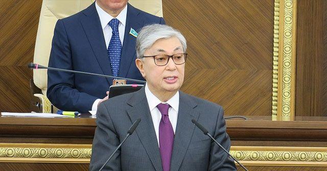 Güney Kore Devlet Başkanı Moon, Kazakistan Cumhurbaşkanı Tokayev ile bir arada
