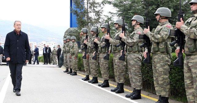 Milli Savunma Bakanı Akar: 'Sınırlarımıza komşu alanda 10 bin  PKK/YPG'li terörist var'