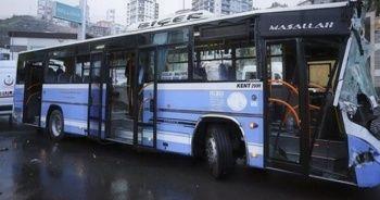 Ankara'da halk otobüsü yol temizleme aracına çarptı