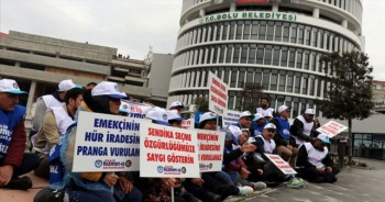 Bolu Belediyesi'nde işten çıkarılan işçilerden oturma eylemi