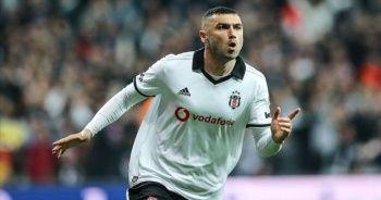 Burak Yılmaz Beşiktaş'ın dertlerini bitirdi