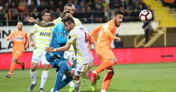 Fenerbahçe Alanyaspor'a 1-0 yenildi