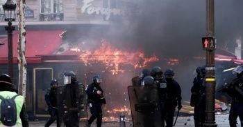 Fransa'da Sarı Yelekliler'in eylemleri sürüyor