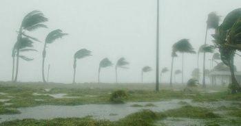 Hindistan'da fırtına nedeniyle 47 kişi hayatını kaybetti