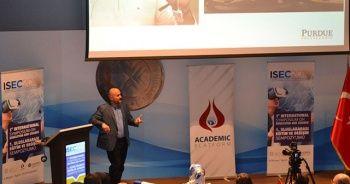 """Prof. Dr. Mesut Akdere: """"Derslere robot öğretmenler girecek eğitim sitemi kökten değişecek"""""""