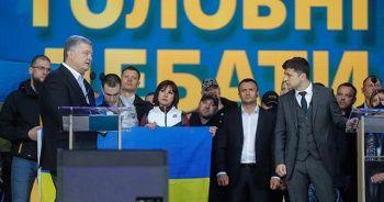 Ukrayna devlet başkanlığı adayları stadyumda son kozlarını paylaştı