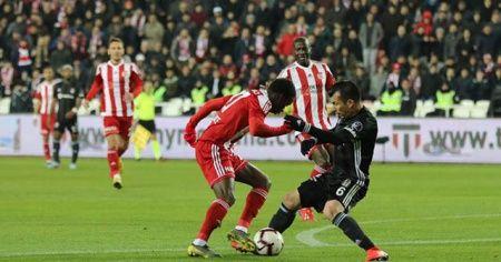 Beşiktaş'ta Medel şoku! Sezonu kapattı