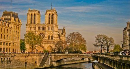 Türk basını Notre Dame'da çıkan yangının acısını paylaştı