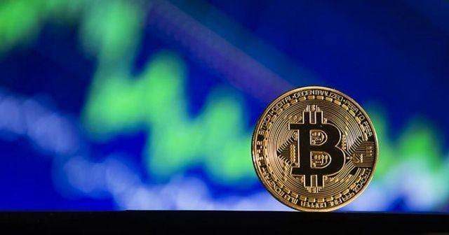 Bitcoin 8,000 doların üzerine tırmandı
