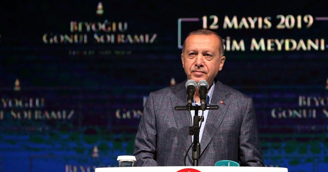 Cumhurbaşkanı Erdoğan: Sanatçı, sanatıyla konuşur, bu tür insanlara dalkavukluk yapmaz