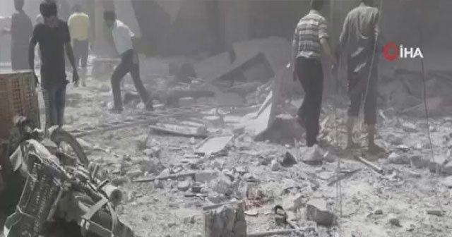 Esad rejimi İdlib'de pazar yerini bombaladı