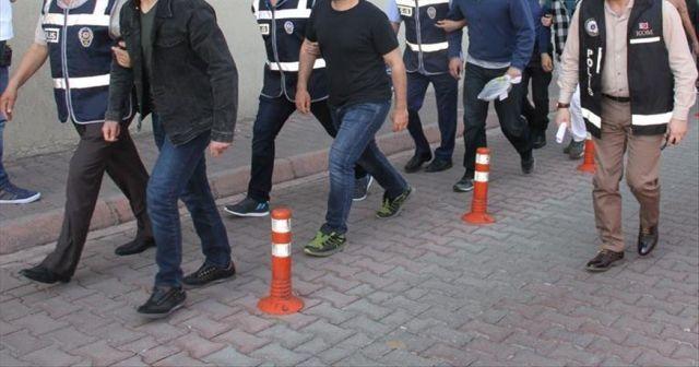 Firari FETÖ üyelerinin saklandığı 'öğrenci evleri'ne operasyon