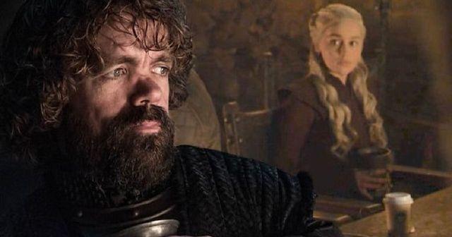 Game of Thrones'taki bir sahnede Starbucks bardağı unutuldu