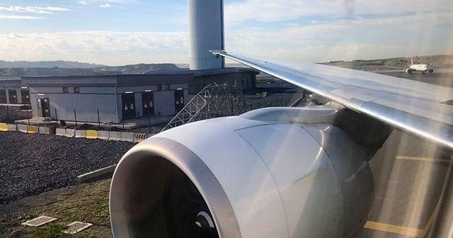 Havaalanında ilginç kaza! THY Boeing 777 uçağının kanadı direğe çarptı