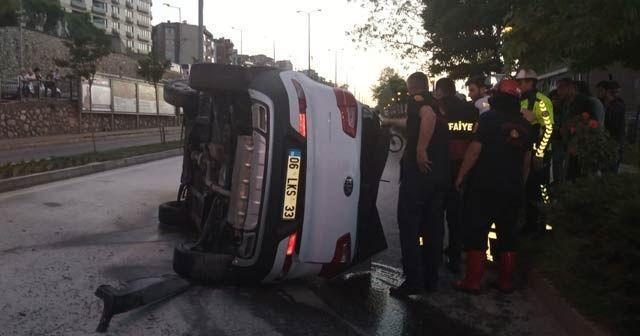 İşaret levhasına çarpan araç takla attı: 1 yaralı