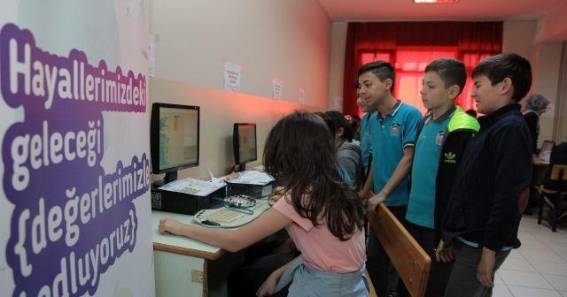 Kuveyt Türk'ten meraklı kaşiflere kodlama ve robotik eğitimi