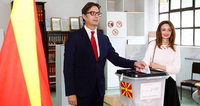 Kuzey Makedonya Cumhurbaşkanı olarak Stevo Pendarovski'yi seçti