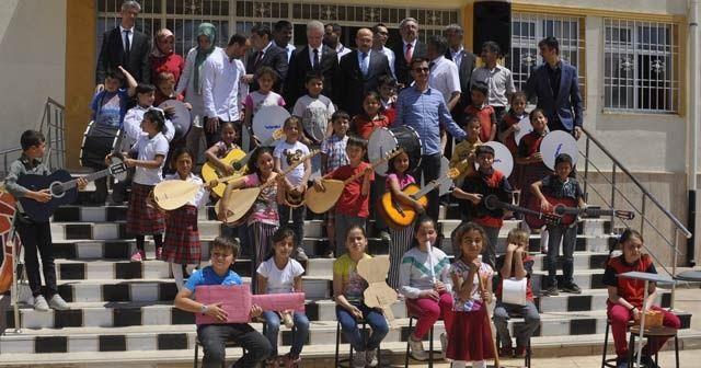 Müzik grubuna Adalet Bakanı Gül'den sürpriz