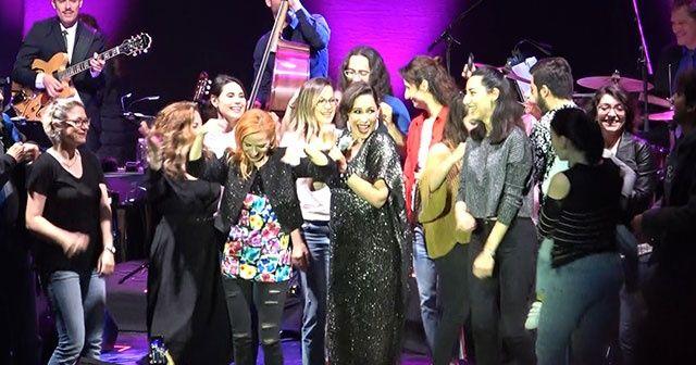 Pink Martini, Bursa'da sahneye çıktı