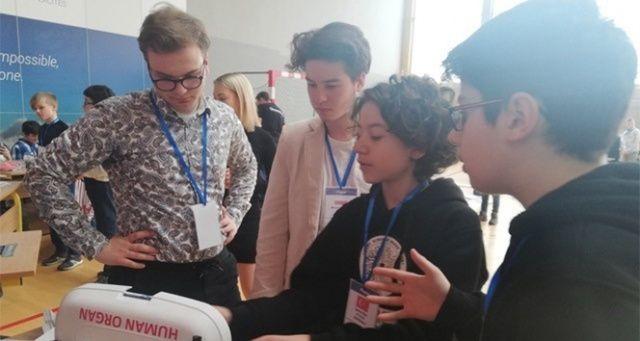 RoboRave'de altın madalyanın sahibi: İELEV Özel 125'inci Yıl Ortaokulu