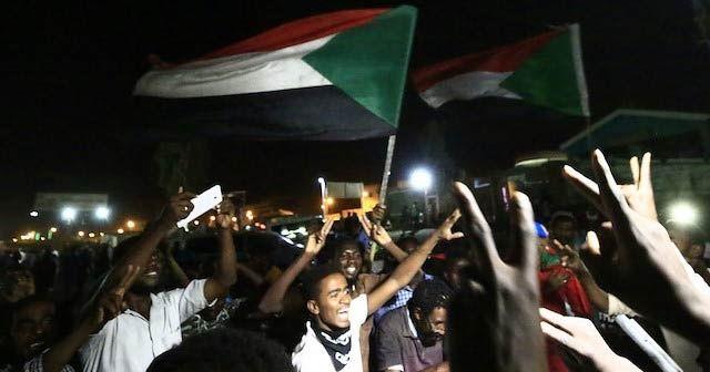 Sudan Askeri Konseyi sivil kanatla görüşmelere yeniden başladı