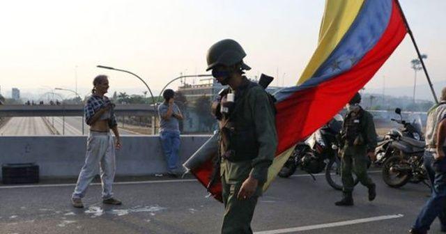 Venezuela'da teslim olan askerler darbeciler tarafından kandırıldıklarını anlattı