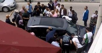 Araç içerisinde mahsur kalan küçük çocuğu itfaiye kurtardı