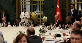 Cumhurbaşkanı Erdoğan şehit aileleriyle iftarda bir araya geldi