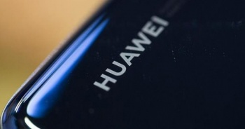 Huawei'ye bir şok daha! Dev şirket siparişleri askıya aldı