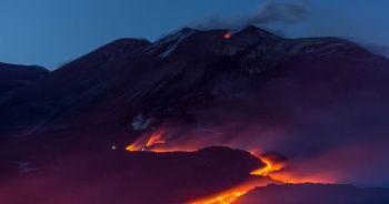 Etna yanardağı lav püskürtmeye başladı