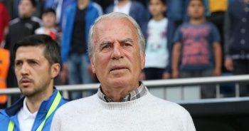 Kasımpaşa Teknik Direktörü Mustafa Denizli görevinden ayrıldı
