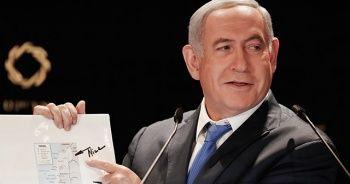 Netanyahu, Golan Tepeleri'ni İsrail toprağı olarak gösteren Trump imzalı haritayı basına gösterdi