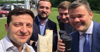 Ukrayna Devlet Başkanı memurlara döner yemelerini tavsiye etti