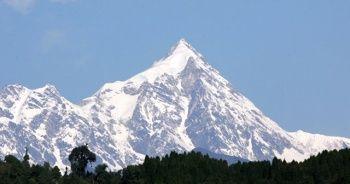 Yeryüzünün en yüksek üçüncü zirvesinde iki dağcı öldü, bir dağcı kayıp