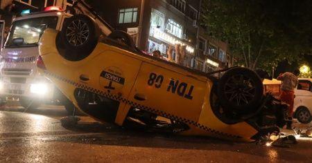Fatih'te takla atan takside iki kişi yaralandı