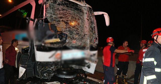 Adana'da yolcu otobüslerinin karıştığı zincirleme kaza: 20 yaralı