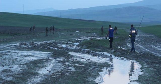 Ağrı'nın Diyadin ilçesinde aşırı yağışların yol açtığı selde 4 kişi hayatını kaybetti