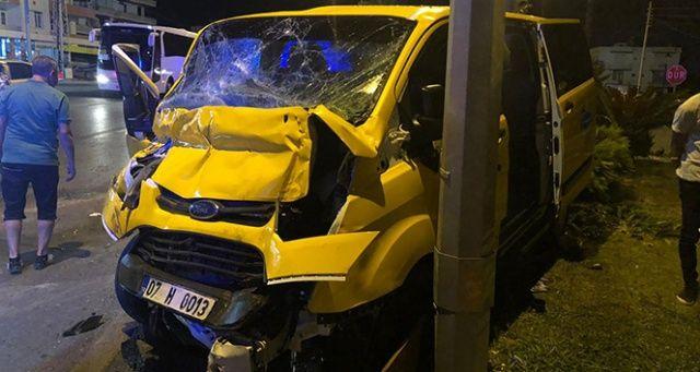 Antalya'da turistleri kaza yaptı: 1 ölü 7 yaralı