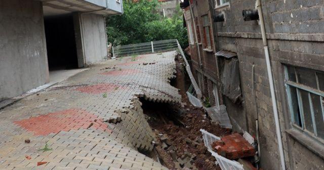 Aşırı yağmur sonucu binanın istinat duvarı çöktü, 23 hane boşaltıldı