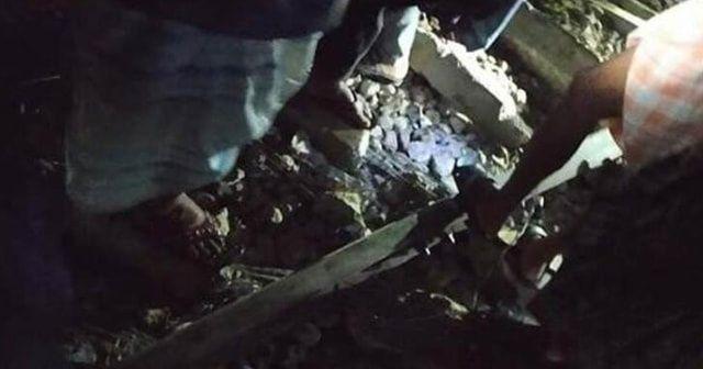 Bangladeş'te trenin geçtiği köprü çöktü