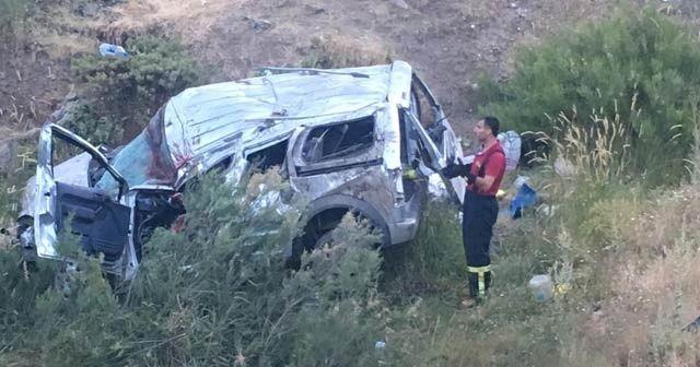 Bayram ziyaretine giden aile uçuruma yuvarlandı: 7 yaralı