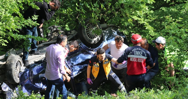 Bolu Dağı'nda otomobil şarampole devrildi