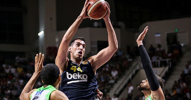 Fenerbahçe Beko finalde Anadolu Efes'in rakibi oldu