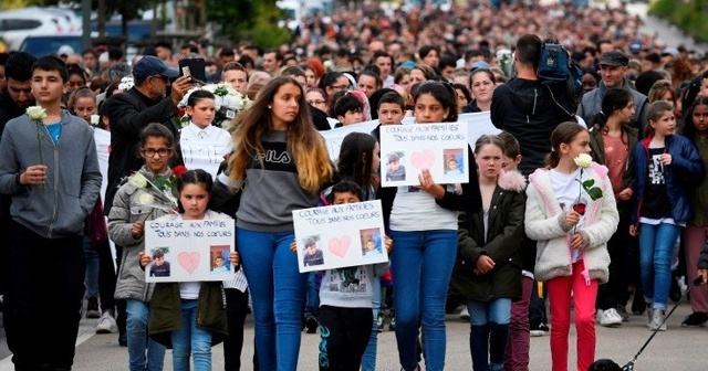 Fransa'da binlerce kişi iki Türk için yürüdü
