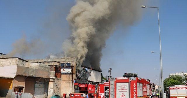 Gaziantep'te masa ve sandalye imalathanesinde yangın