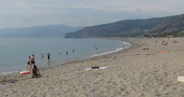 Gazipaşa'da Suriyelilere plaj yasağına veto