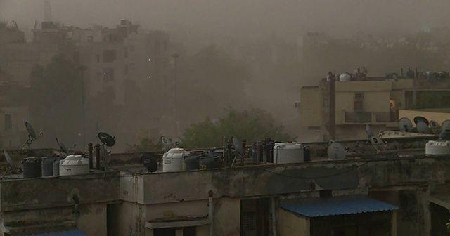 Hindistan'da kum fırtınası: 19 ölü