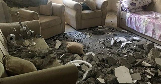 Mersin'de bir evin tavanı çöktü: Anne ile oğlu yaralandı