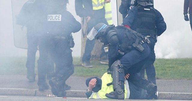 Sarı Yelekliler ve Fransız polisi yine çatıştı